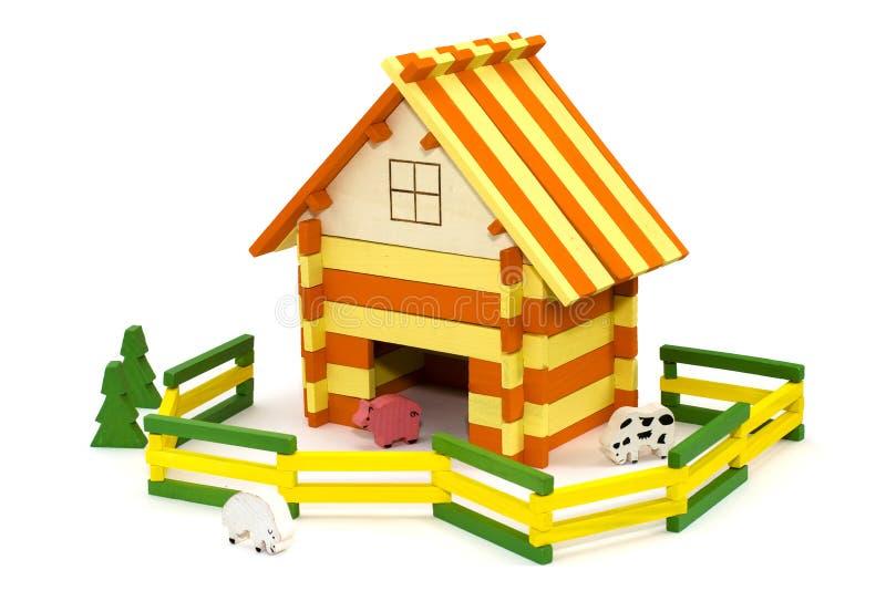 Exploração agrícola de madeira do brinquedo foto de stock royalty free
