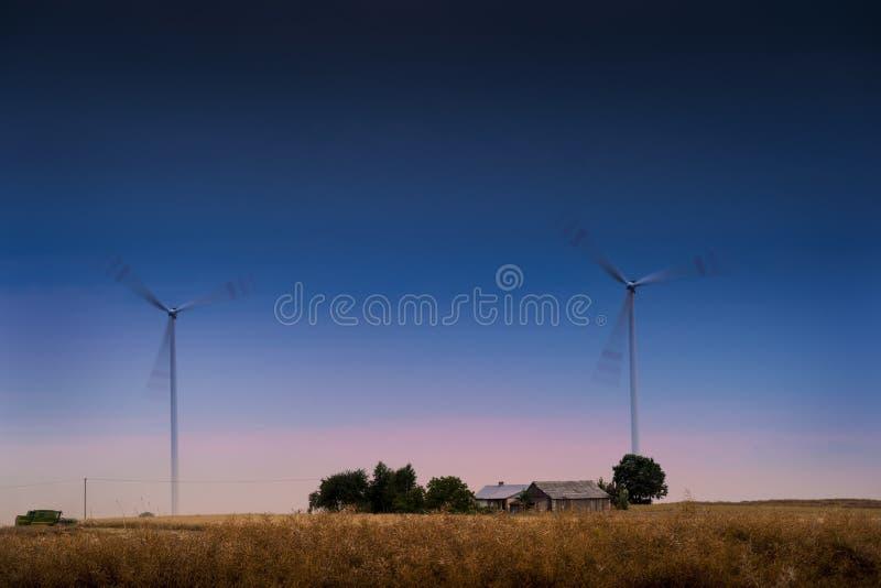Exploração agrícola de vento imagens de stock