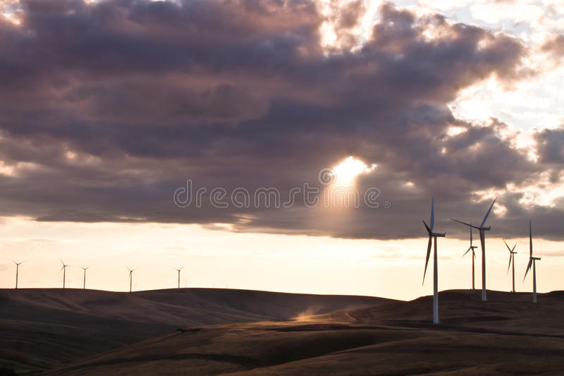Exploração agrícola do moinho de vento fotos de stock royalty free