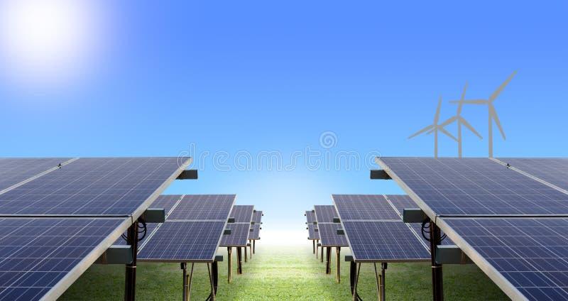exploração agrícola e turbina eólica solares fotografia de stock royalty free