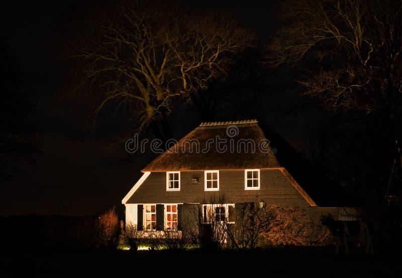 Exploração agrícola na noite foto de stock royalty free