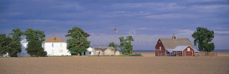 Exploração agrícola no por do sol, Ritzville sul, rota 261, S e washington imagem de stock
