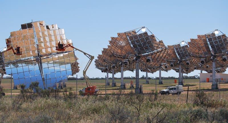 Exploração agrícola solar que limpa Carwarp Austrália foto de stock