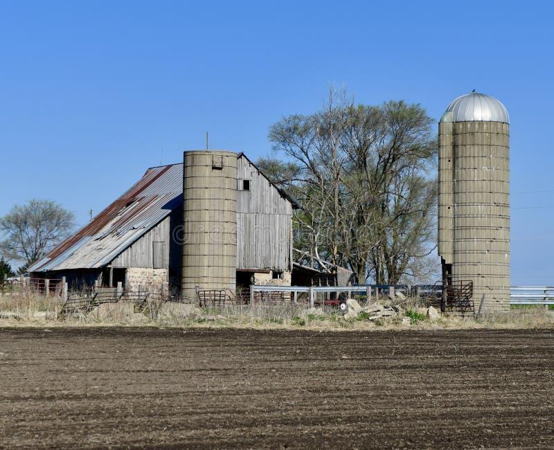Exploração agrícola velha da família imagem de stock