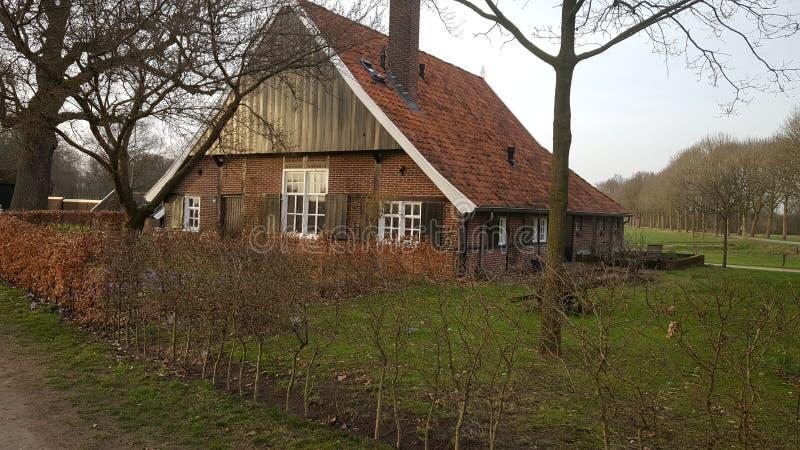 Exploração agrícola velha nos Países Baixos foto de stock royalty free
