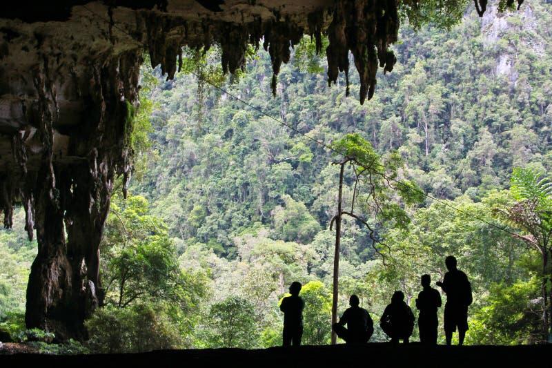 A exploração da caverna fotos de stock