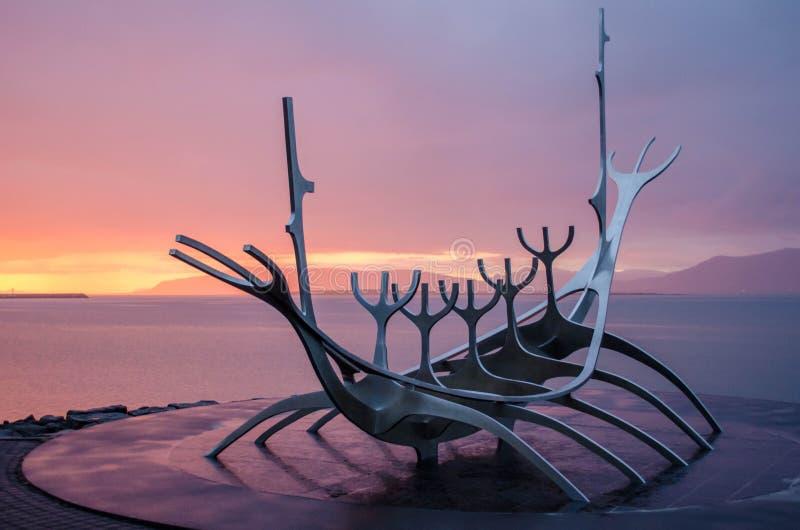Explorador de The Sun em Reykjavik foto de stock