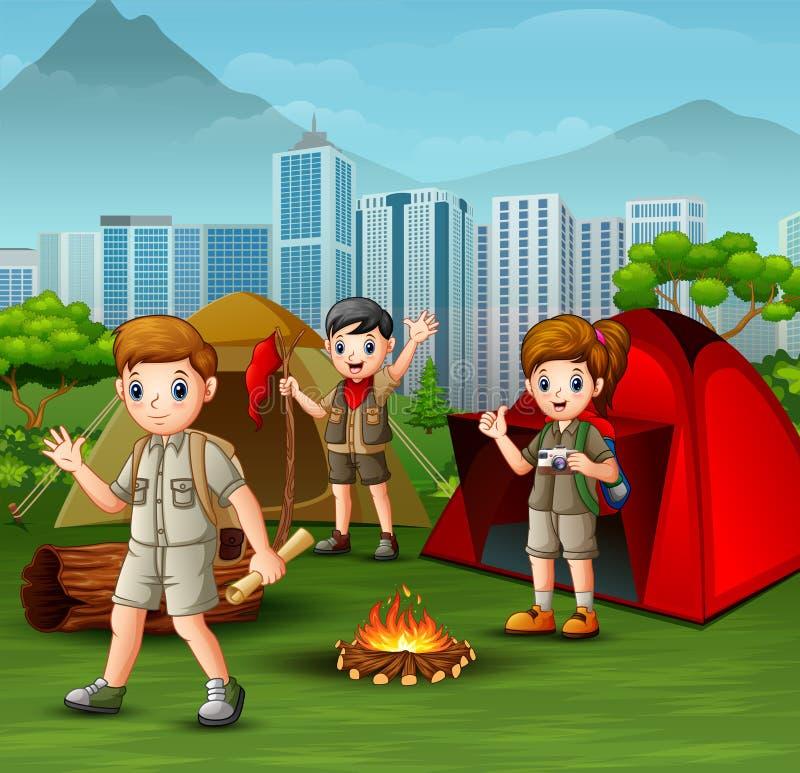 Explorador joven feliz con las mochilas que acampan en parque de la ciudad stock de ilustración
