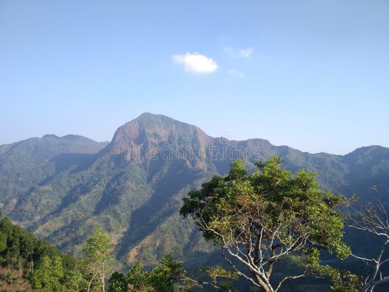 Explore as montanhas em Indonésia fotografia de stock