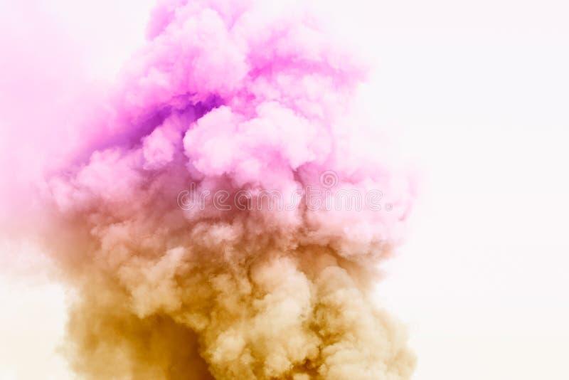 Explosão colorida do pó Nuvem colorida A poeira colorida explode imagens de stock