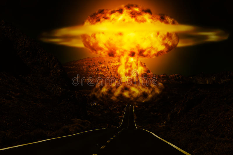 Explosão de bomba atômica no deserto