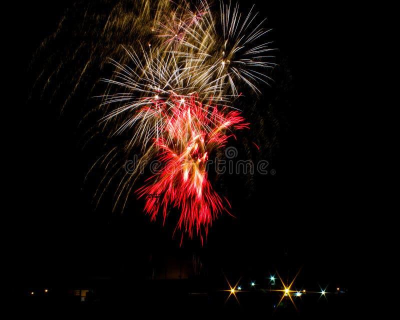 Explosão dos fogos-de-artifício imagem de stock