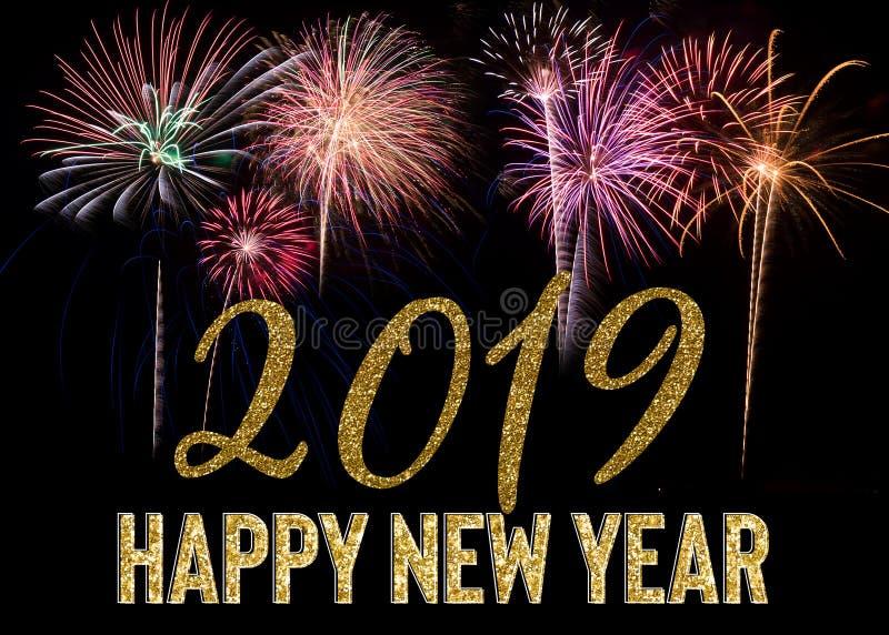 Explosão 2019 dos fogos de artifício do ano novo feliz fotografia de stock