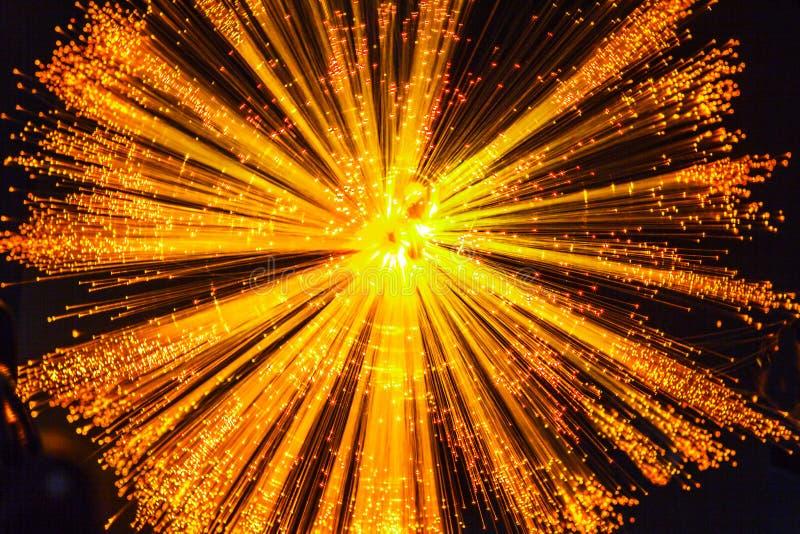 Explosión de la luz amarillo-naranja fotos de archivo