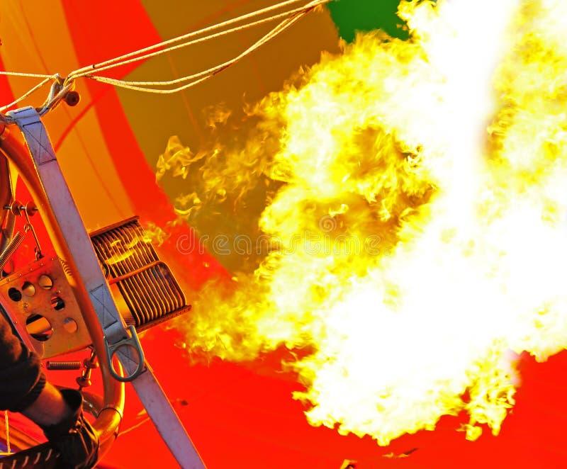 Explosión de llamas imagenes de archivo