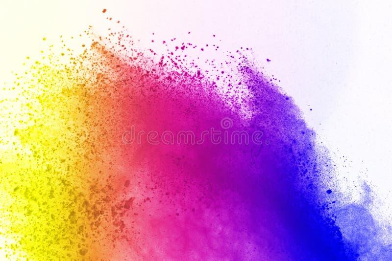 Explosie van gekleurd die poeder, op witte achtergrond wordt geïsoleerd De samenvatting van gekleurd stof splatted kleurenwolk stock illustratie