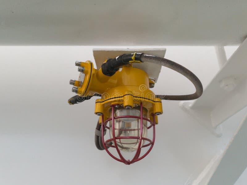 Explosiebestendige verlichtingslamp op de schepen stock foto's