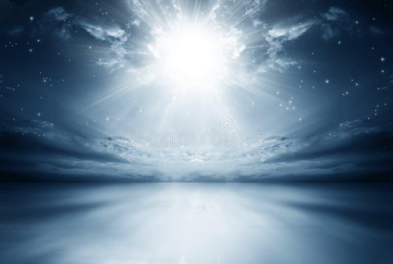 Explosion av en stjärna i himlen royaltyfria foton