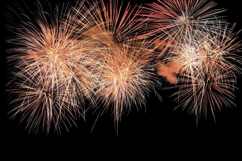 Explosion colorée de feux d'artifice dans le festival annuel photos libres de droits