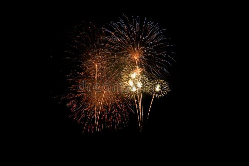 Explosion color?e de feux d'artifice dans le festival annuel photo stock
