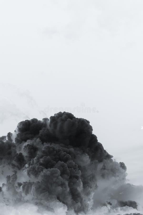 Explosion de nuage de fumée image stock
