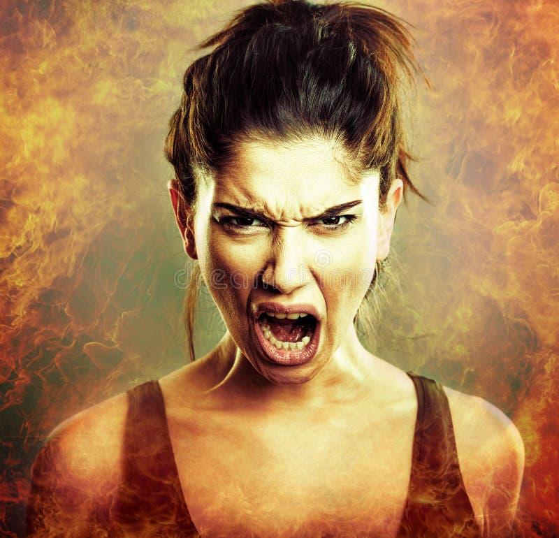 Explosion de rage Cri perçant de femme fâchée image stock