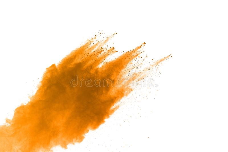 Explosion des gelben Pulvers, lokalisiert auf weißem Hintergrund Energie und Kunstkonzept, abstrakte Explosion von Farben stockfotografie