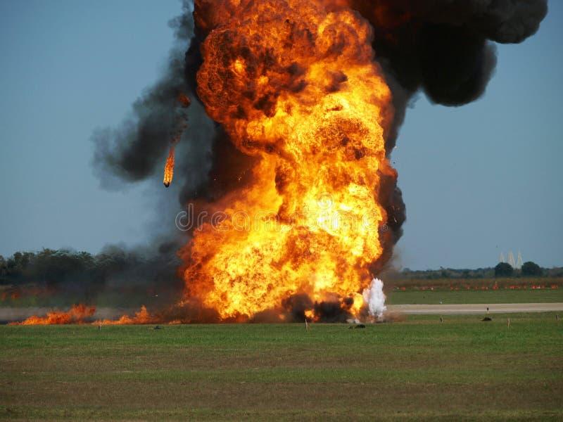 Explosion am Flughafen stockbilder