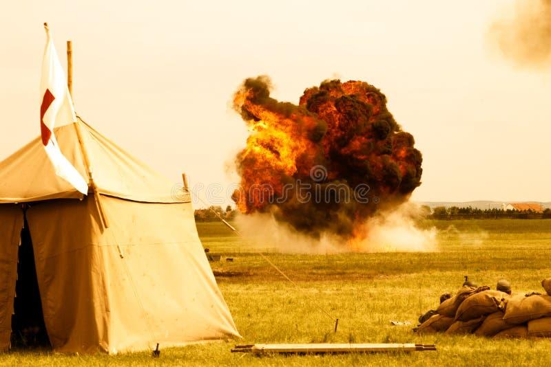 Explosion stylisée après le bombardement d'avion images stock