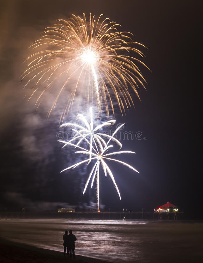 Explosiones florecientes en la sincronización foto de archivo