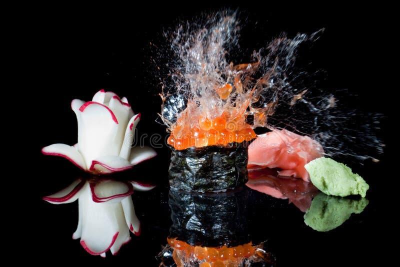 explosionsushi royaltyfri bild