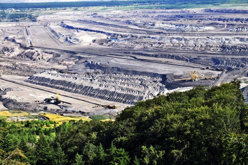 Explotación minera a cielo abierto del lignito imagen de archivo