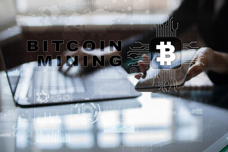 Explotación minera de Bitcoin Cryptocurrency, blockchain Concepto financiero de la tecnología y de Internet imágenes de archivo libres de regalías