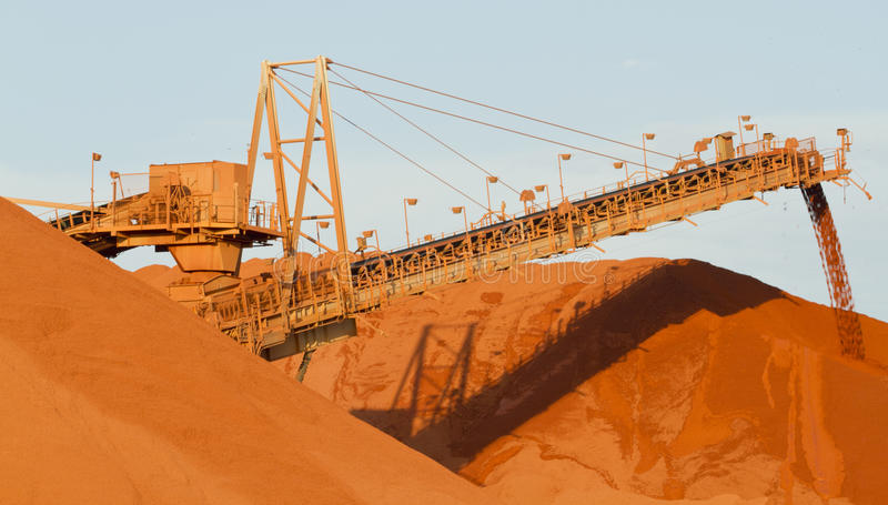 Explotación minera de la bauxita foto de archivo