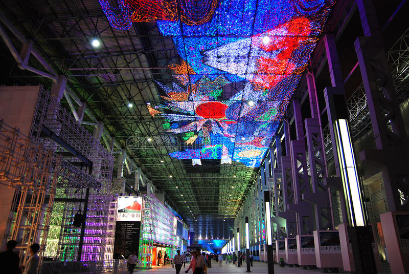 Expo 2010 de Shanghai da cidade do diodo emissor de luz imagem de stock