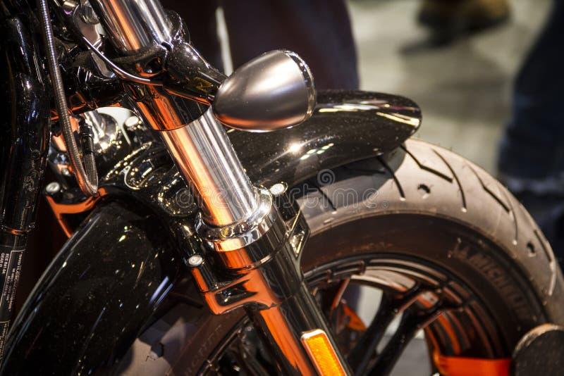 Expo de las motocicletas en el perfil lateral de Harley Davidson de la demostración de Milán EICMA imagen de archivo