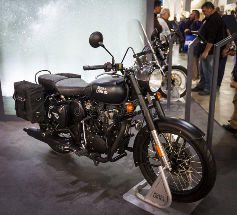 Expo de las motocicletas en la demostración Enfield real de Milán EICMA foto de archivo libre de regalías