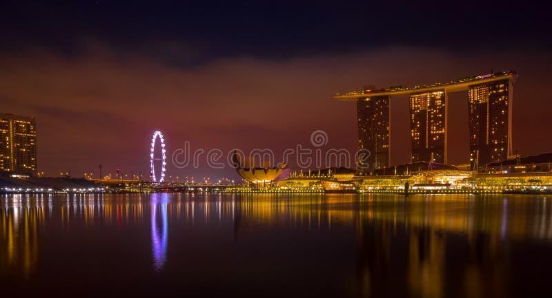 Expo för guld- timme för Singapore cityscape lång royaltyfri bild
