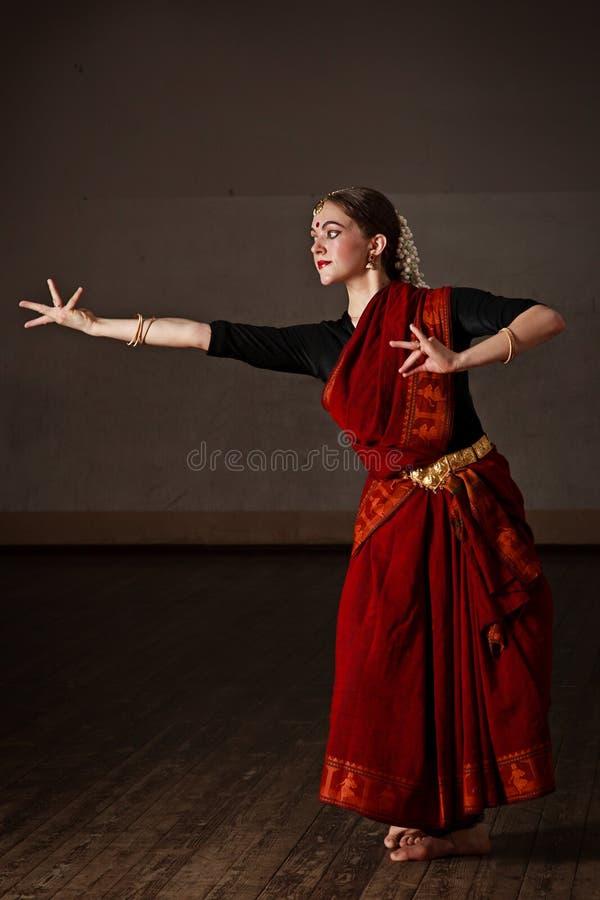 Exponent Bharat Natyam des Tanzes lizenzfreie stockfotografie
