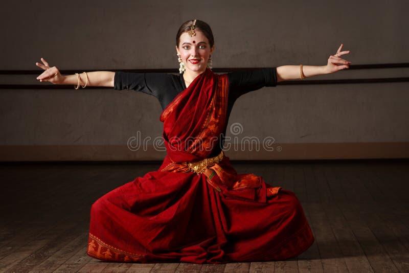 Exponent Bharat Natyam des Tanzes stockbild