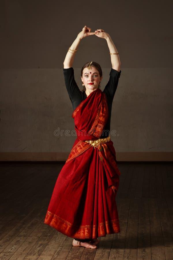 Exponent des Bharatnatyam Tanzes stockfotos