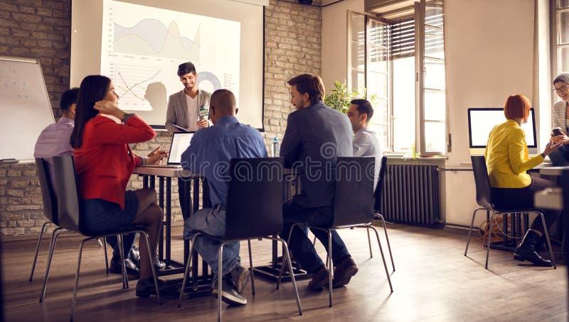 Exponering av lyckad entreprenör` s fotografering för bildbyråer