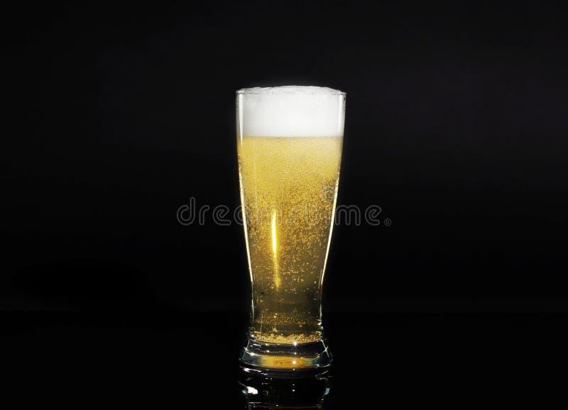 Exponeringsglas av öl arkivfoton
