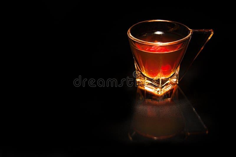 Download Exponeringsglas av whisky fotografering för bildbyråer. Bild av märkes - 37347093