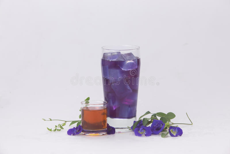 Exponeringsglas för den vattenPea Honey In frikänden med törstad isförnyelse släcker royaltyfri fotografi