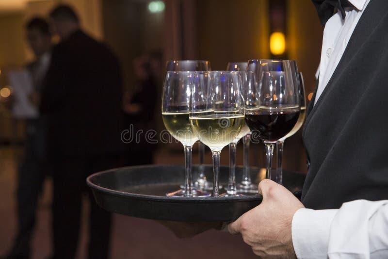 Exponeringsglas med non alkoholdrycker arkivfoton