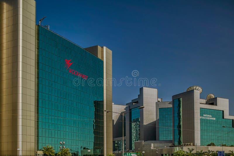 Exponeringsglas täckte kontorsbyggnader på bandrakurlakomplexet är ett nytt kommersiellt område av den MUMBAI maharashtraen arkivfoto