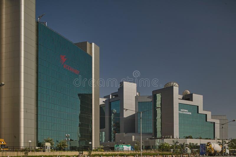 Exponeringsglas täckte kontorsbyggnader på bandrakurlakomplexet är ett nytt kommersiellt område av den MUMBAI maharashtraen royaltyfri fotografi