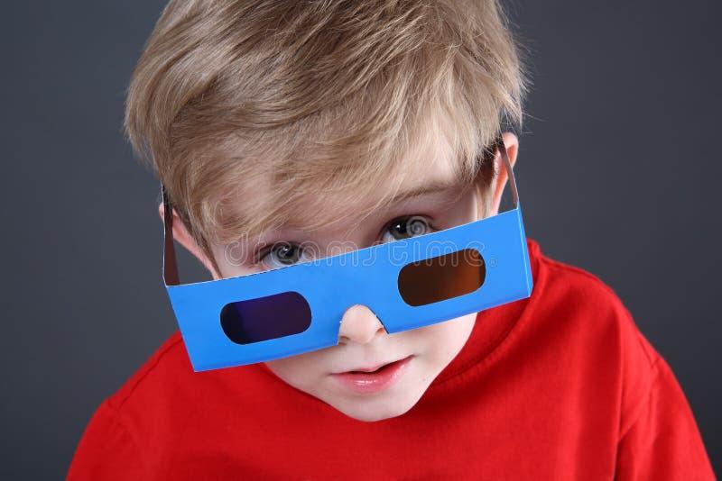 exponeringsglasslitage för pojke 3d fotografering för bildbyråer