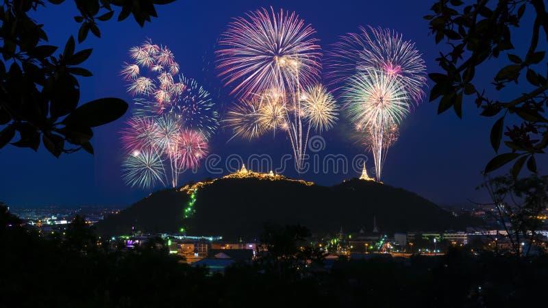 Exposição bonita do fogo de artifício para a celebração fotografia de stock royalty free